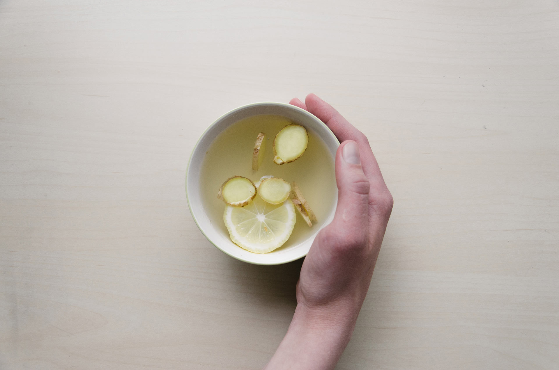 Ginger and Lemon might just be the best medecine for cold!
